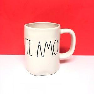 Rae Dunn Brand new Spanish TE AMO mug